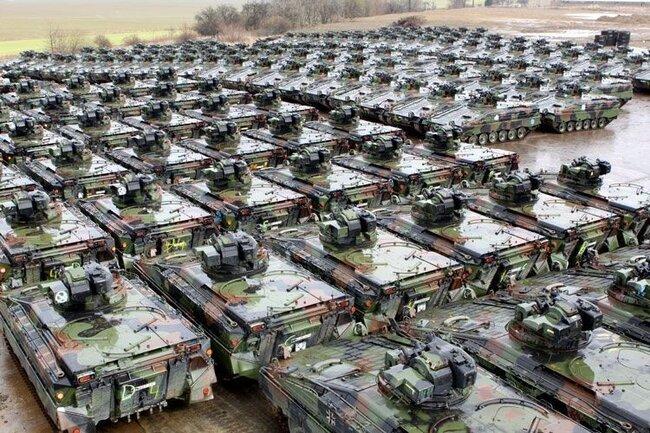 Как утилизируют танки (3 фото)