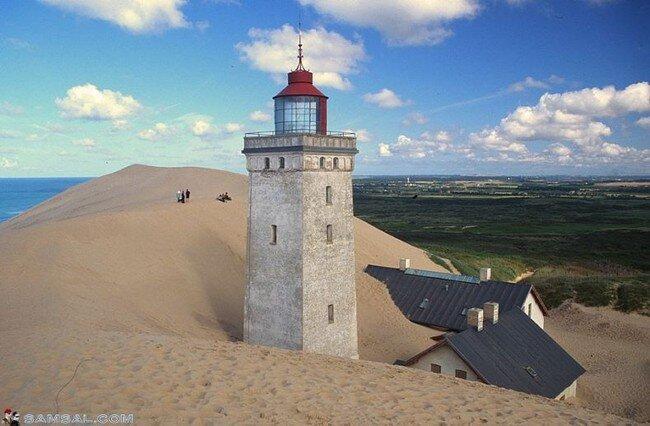 Заброшенный маяк в Дании (9 фото)