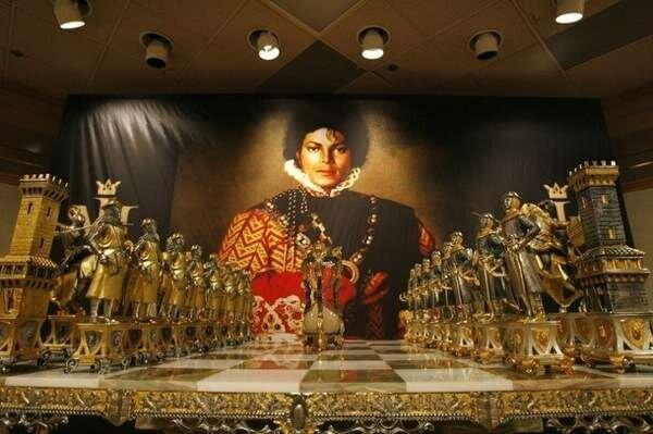 Аукцион личных вещей Майкла Джексона (25 фото)