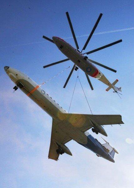 Как эвакуируют самолеты (6 фото + видео)