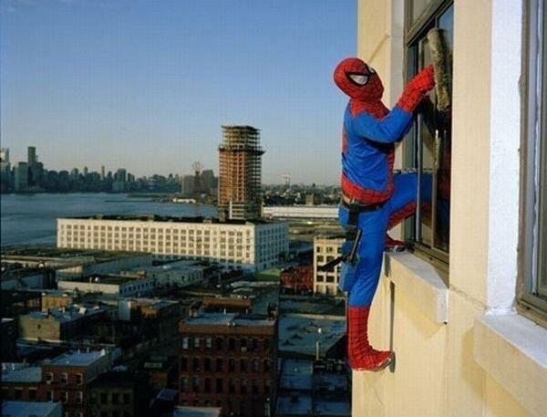 Супергерои в повседневной жизни (1 фото)