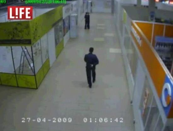 Майор-скинхэд устроил расстрел в супермаркете (видео)