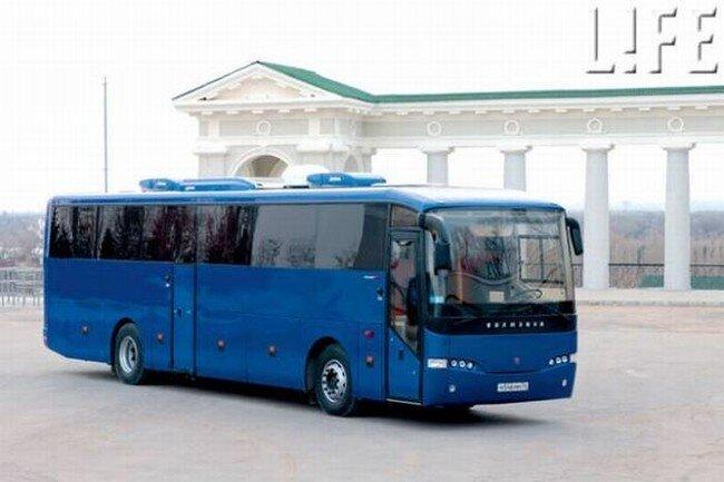 Чиновники купили автобус за 1 млн долларов (6 фото)