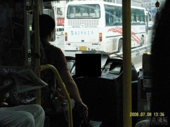 Обед водителя автобуса в Китае (4 фото)