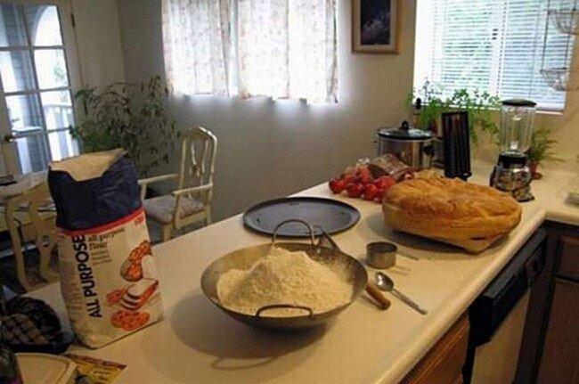 Секрет приготовления очень большого бургера (16 фото)