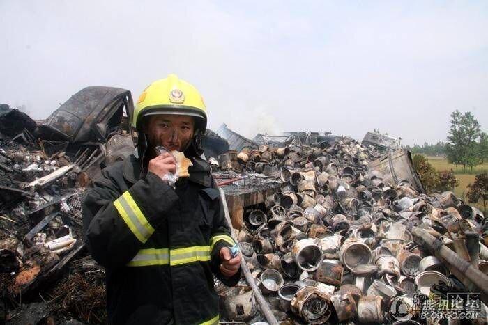 Крупная авария в Китае (11 фото)