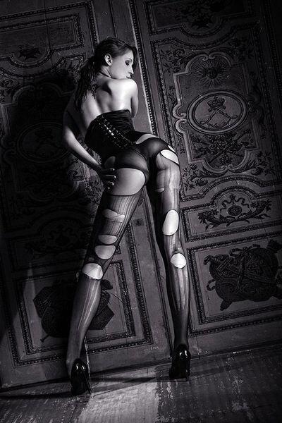 Эстетика женского тела (27 фото)