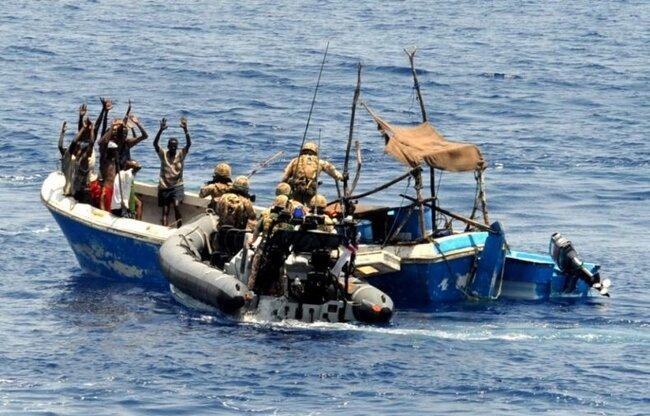 И снова о сомалийских пиратах (5 фото)