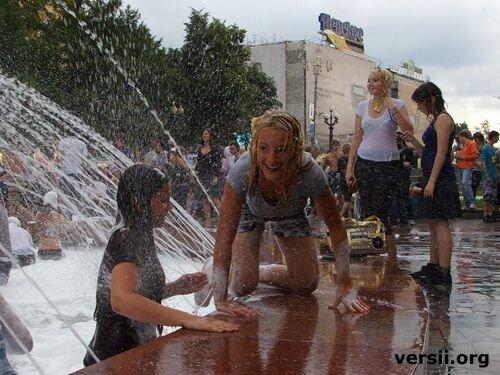 Пенный фонтан (32 фото)