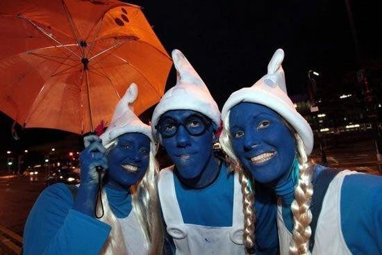 Много голубых человечков (11 фото)
