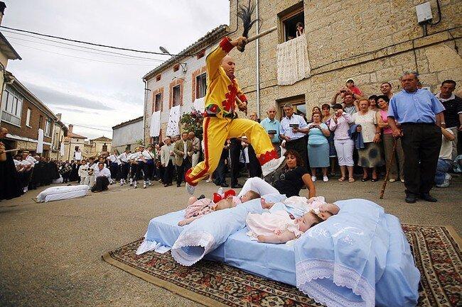 Старинный ритуал (3 фото)