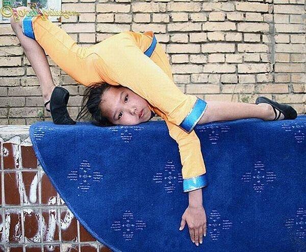 Как в Китае учат гимнастике (38 фото)