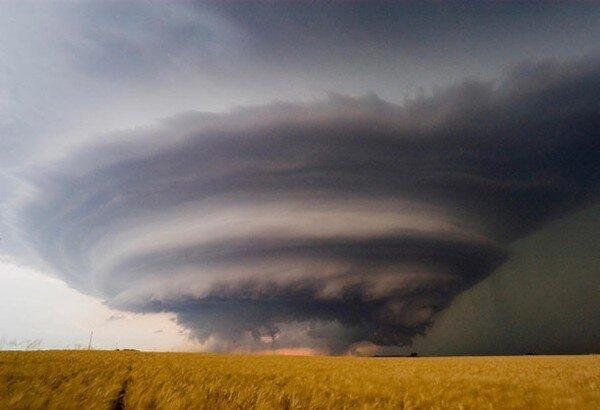 Фотографии экстремальных погодных явлений (12 фото)