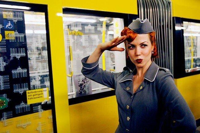 Шоу-показ в берлинском метро Underground Catwalk (20 фото)