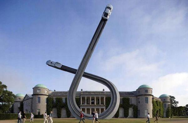 Потрясающая скульптура к столетию Audi (9 фото)