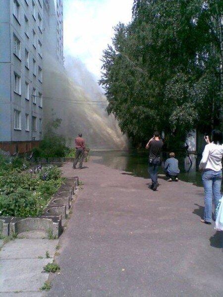Ура, горячую воду дали! (4 фото)