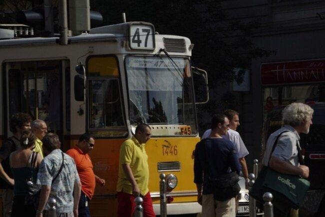 Хаммер против трамвая (17 фото + 21 бонус)