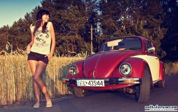 Девушки и авто (15 фото)