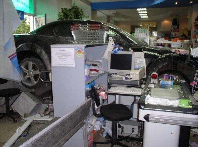 Ночной дозор - всем выйти из аптеки! (3 фото)