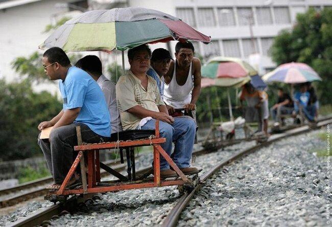 Филиппинские железнодорожные рикши (5 фото)