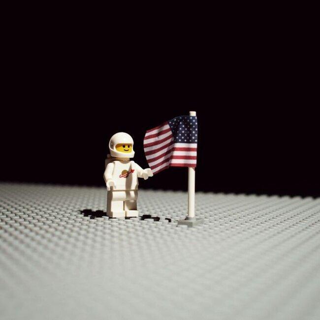 Знаменитые фото из Лего  (34 фото)