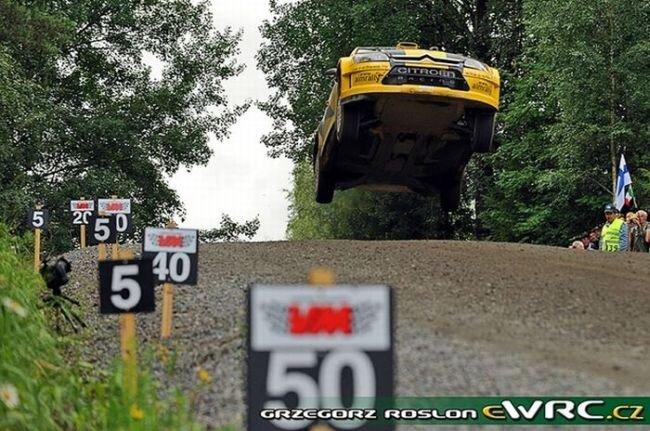 Невероятный прыжок на Neste Rally Finland (15 фото + видео)