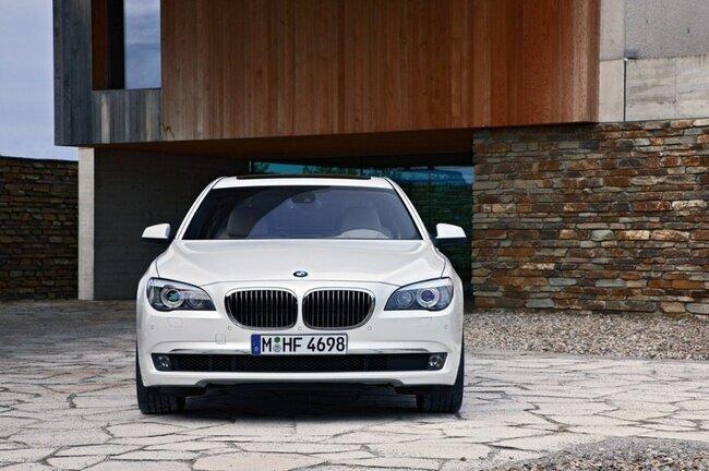 BMW 760Li (17 фото)