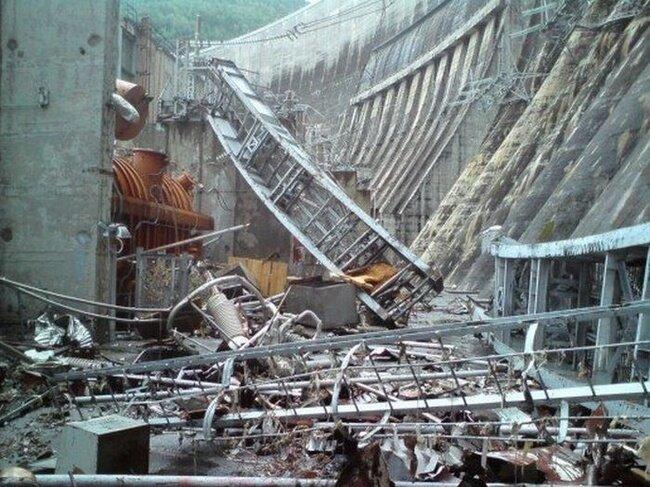 Катострофа. Саяно-Шушенская ГЭС. (22 фото)