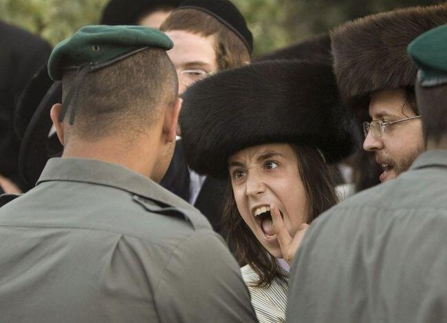 Беспорядки в Иерусалиме (6 фото)