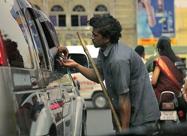 Индийские попрошайки-калеки (17 фото)