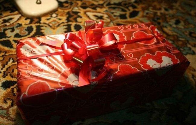 Оригинальный свадебный подарок своими руками (9 фото)