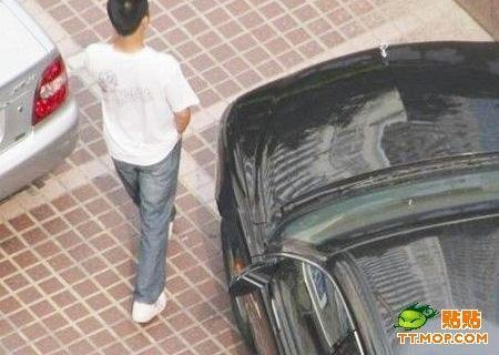 Китайский угоньщик попался на камер (3 фото)