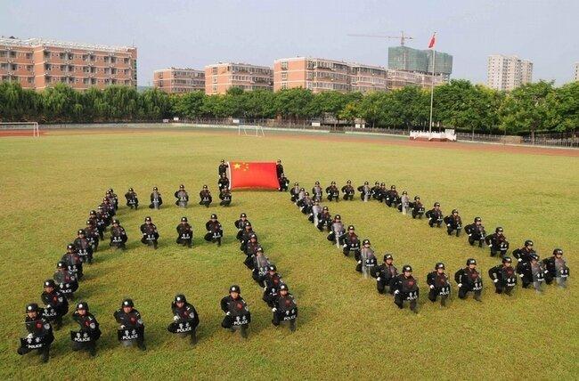 60 лет Китаю (2 фото)