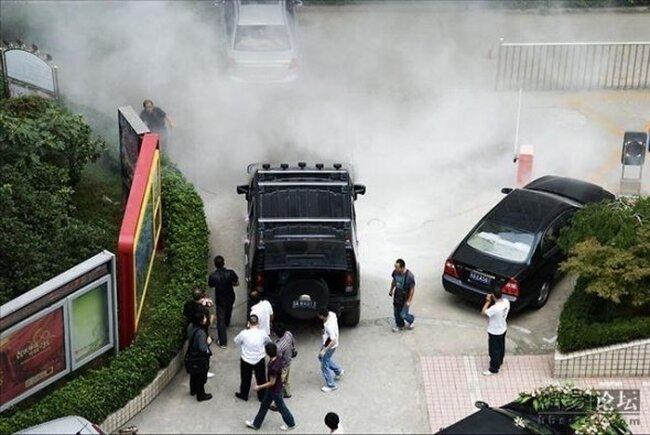 Сгоревший Hummer (11 фото)