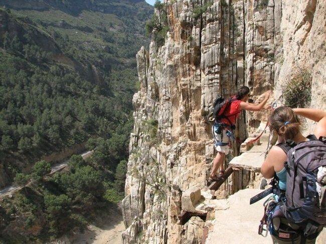 Каминито дель Ри или  Королевская тропа в Испании (19 фото)