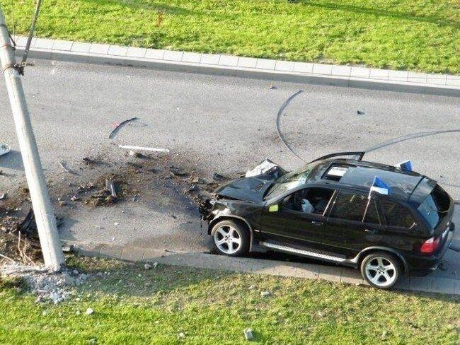 Весёлая эстонская авария (9 фото)