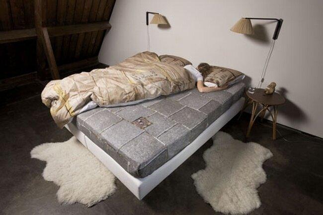 Картонная постель (7 фото)