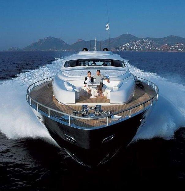 Буржуйская яхта (20 фото)