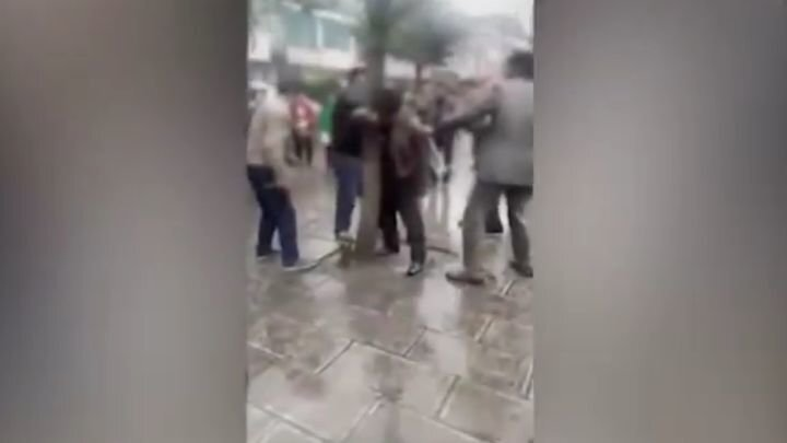 Муж вместе с друзьями избил ремнями поклонника своей жены