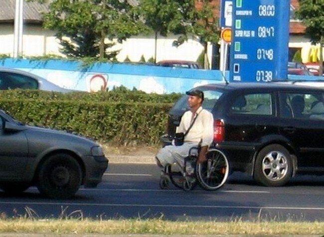 Уловка нищих инвалидов (12 фото)
