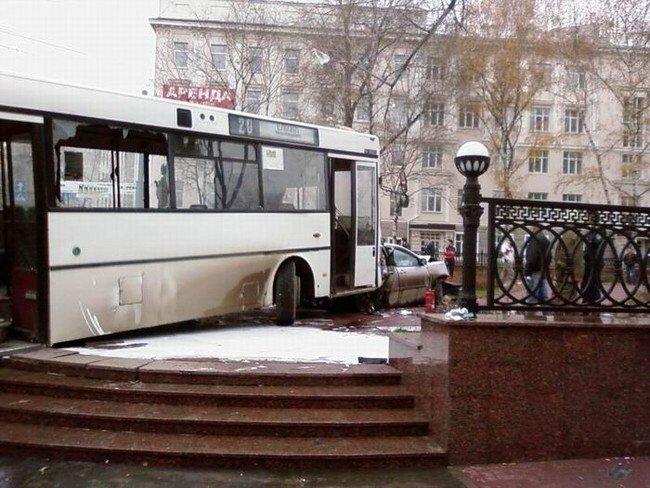 Крупнейшая автомобильная авария в Перми (29 фото+видео)