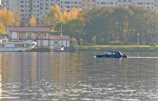 Водоплавающий Жигуль (8 фото)