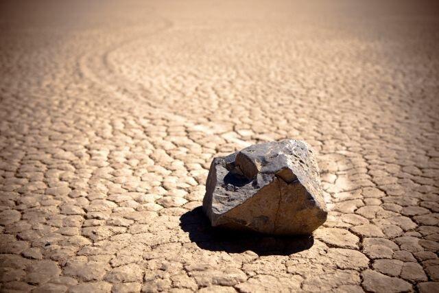 Плавающие камни в долине смерти (48 фото)