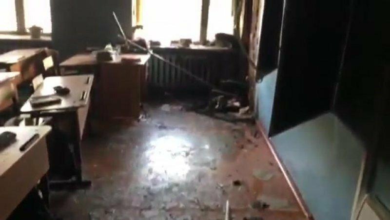 В Бурятии подросток напал на свою школу и порезал учеников