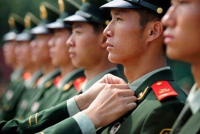 Дисциплина в китайской армии (4 фото)