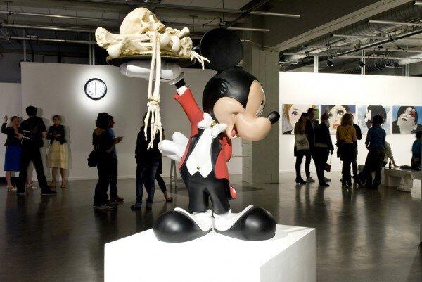 Комические инсталляции (27 фотографий)