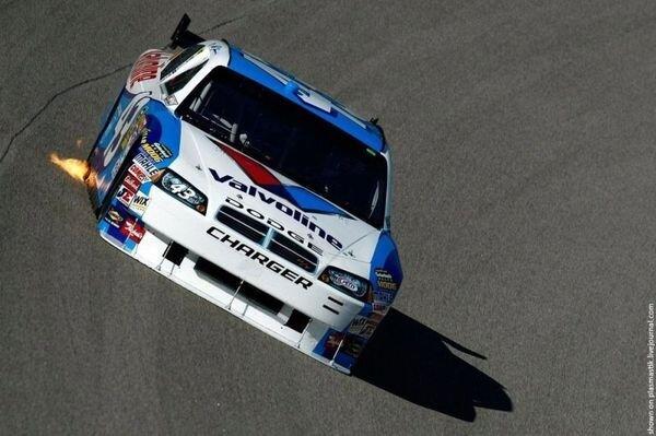NASCAR 2009 (24 фотографии)