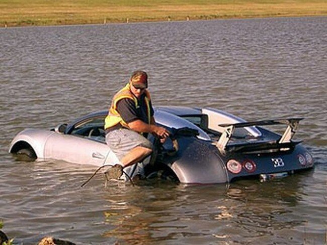 Утопленный Bugatti Veyron (8 фото+видео)