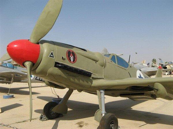 Экскурсия по музею израильских ВВС (42 фото)