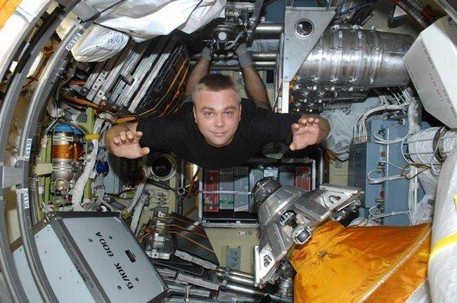 Первый космический блоггер (21 фото)